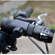 Nuova Luce Della Bicicletta di Alta Qualità Ha Condotto L'uso di Sicurezza Bycicle Llight 16850 Accessori Moto Luci + Torch Holder