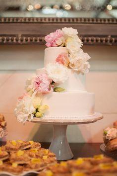 pretty peony wedding cake | Candi Coffman #wedding