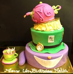 Livi's going to have a Wonderland tea party for her birthday this year--I think this cake is a must!!!