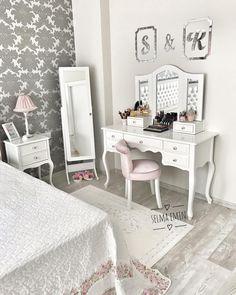 Bedroom decoration ideas for women loft ideas Luxury Bedroom Design, Bedroom Closet Design, Girls Bedroom Furniture, Diy Bedroom Decor, Home Decor, Dressing Table Vanity, Minimalist Apartment, Woman Bedroom, Luxurious Bedrooms