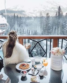 The Top 10 Honeymoon Destinations For The Love Of Après-Ski - Winter Honeymoon Destinations Top 10 Honeymoon Destinations, All Inclusive Honeymoon, Honeymoon Ideas, Spain Honeymoon, Travel Destinations, Places To Travel, Places To Go, Whistler, Adventure Is Out There