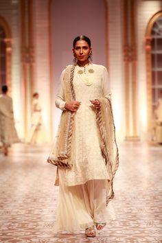 Meera & Muzaffar Semana Ali Índia nupcial 9 width =