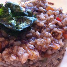 Arroz de Jabalí y castañas en Barcelona.  Sabor intenso y se ha de mezclar los trocitos de castaña para neutralizarlo. La combinacion me encanta! por Merce Pastor, bailarina en liquiddansa  http://www.onfan.com/es/especialidades/la-palma-de-cervello/amarena-restaurante/arroz-de-jabali-y-castanas?utm_source=pinterest&utm_medium=web&utm_campaign=referal