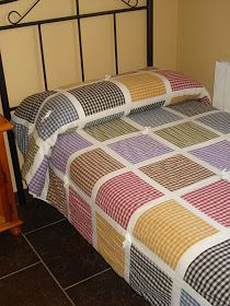 :: ENTRE TELAS ::: MOLINILLOS Y CUADROS Handmade Bed Sheets, Bed Quilt Patterns, Bed Cover Design, Designer Bed Sheets, Quilted Bedspreads, Diy Crafts For Gifts, Quilting For Beginners, Quilt Sizes, Quilt Bedding