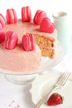 Balsamic strawberry butter cake with macarons