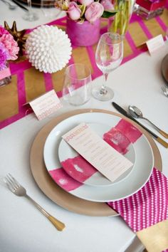 I love every detail, especially the table runner and dipped cutlery!