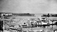 Diese Aufnahme des zerstörten Jungfernstiegs nach dem Großen Brand im Jahr 1842 gilt als das erste Reportage-Foto weltweit. Die Blickrichtung verläuft zur späteren Lombardsbrücke.