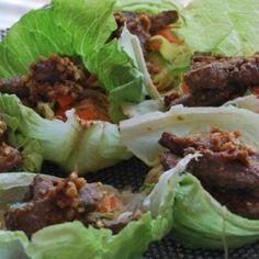 Asiatisk biff med glasnudlar i salladsskål