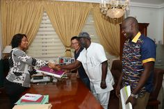 Gov's Wife Charges Companies On Corporate Social Responsibilities   The wife of Akwa Ibom State Governor Mrs. Martha Emmanuel has charged companies working in the State to give back to the society they are operating as way of their social corporate responsibility.  Mrs. Emmanuel who said this in her office when the Managing Director of Wizchino Engineering (WE) Construction Company Mr. Jack Zou in collaboration with Special Assistant to the Governor on Local Media Mr. Uko Umohpresented a…