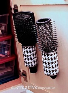 The Creative Imperative: Hanging Hairbrush Storage from Tin Cans. I told you I love those tin cans. You will never look at a tin can the same once you get to know me. Tin Can Crafts, Diy And Crafts, Bathroom Organization, Organization Hacks, Organizing Ideas, Organizing Solutions, Bathroom Storage, Small Bathroom, Bathroom Ideas