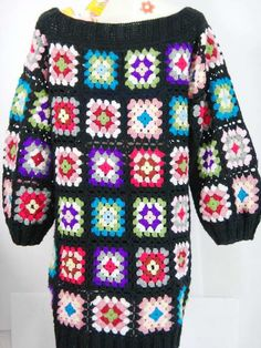 Vintage 60's 70's / Handmade Crochet Granny square by NoongNing