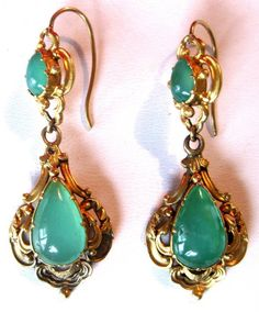 Pair of Georgian 18K Gold & Chrysoprase Earrings Circa. 1810-1820