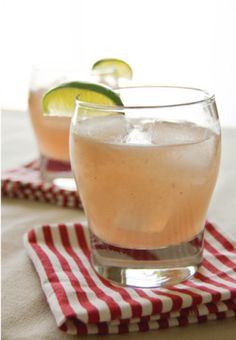 Ginger Peach Margarita 1/2 ripe peach, peeled, pitted, and cut into wedges 5 quarter-sized slices of fresh ginger 3/4 oz simple syrup 1 oz fresh lime juice 1 1/2 oz silver tequila 1/2 oz Cointreau...