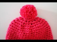 """Bonnet facile et rapide à réaliser tout en mailles serrées au crochet. Accessible aux débutant-e-s, c'est un cadeau """"maison"""" unique pour Noël! http://my-crea..."""