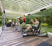 Create a gym in your garden! SunSpaces' outdoor buildings are ideal for exercise and fitness routines. Contact us to request a quote for your home gym. Outdoor Gym, Outdoor Living, Outdoor Decor, Backyard Pergola, Patio, Paving Design, Outdoor Buildings, Glass Room, Roofing Systems