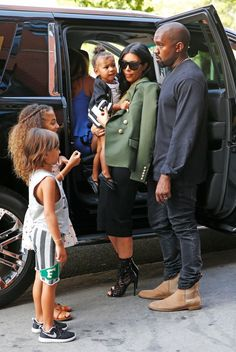 July 4th kim looking bomb as fuck while pregnant! with KANYE NORTH Mason Penelope & the puppet family