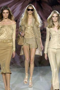 Versace Spring 2006 Ready-to-Wear Fashion Show - Julia Stegner, Hana Soukupova, Elena Baguci