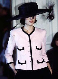 La petite robe noire: Chanel Jackets