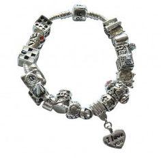 Marque: Pandora -Genre: Femme -Matière: Divers -Style: Unique                     63,99 €  http://www.pariprix.com/pandora-cadeaux/glass-beads-and-silver-charms-rouge-diy-bracelet-pandora-captivant.html