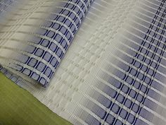 silk | plant dyes | Japan Weaving Textiles, Weaving Art, Loom Weaving, Hand Weaving, Fabric Textures, Textures Patterns, Sewing Online, Japanese Market, Silk Plants