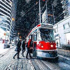 Toronto Images, I Am Canadian, Toronto Canada, Toronto Winter, Historical Pictures, Time Of The Year, City Life, Bellisima, Street View