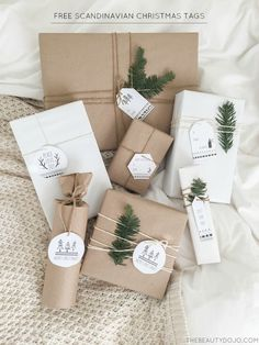 DIY Gift Wrapping Ideas Today I'm teaming up with Yully from Zoyu Design to bring you these free printable Scandinavian Christmas tags! Christmas Gift Wrapping, Christmas Presents, Holiday Gifts, Noel Christmas, Winter Christmas, Diy Christmas Tags, Winter Holidays, Last Minute Christmas Gifts, Christmas Quotes