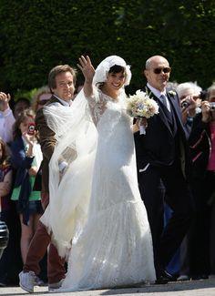 Lily Allen dressed in Chanel wedding dress!