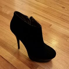Black Zip Bootie Heels Gently worn, about 4-5 inches, super cute!! Steve Madden Shoes Heeled Boots