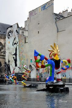 © Albertine -  Paris 4e square  Stravinsky bassin sculpture Jean Tinguely et  Niky de St Phalle  - tags chut