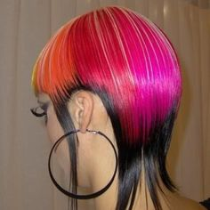 Avant-garde cut and colouring with multiple colours Creative Hairstyles, Funky Hairstyles, Wild Hairstyles, Medium Hair Styles, Natural Hair Styles, Short Hair Styles, Extreme Hair Colors, Hair Painting, Cool Hair Color