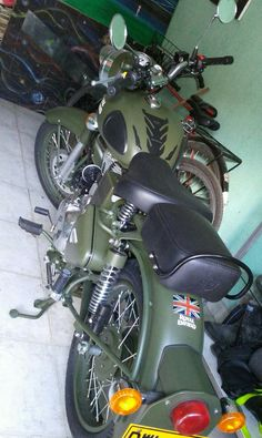 Mi royal enfield clasicc 500 green battle