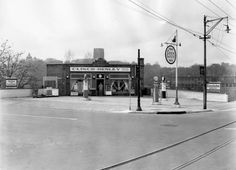 Esso station at the corner of Henley Street and Clinch Avenue, where the Holiday Inn at World's Fair Park sits today. October 1935.