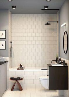 Tiny Bathrooms with Bathtub Ideas kleine Badezimmer mit Badewanne Ideen Bathroom Tub Shower, Small Bathroom With Shower, Mold In Bathroom, Tiny Bathrooms, Bathroom Design Small, Bathroom Interior Design, White Bathroom, Simple Bathroom, Bathroom Cabinets