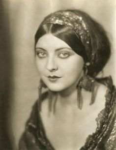 Ziegfeld Follies dancer (and Rudolph Valentino lover) Marion Benda