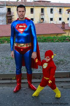 Kid Flash and his dad Storybook Characters, Movie Characters, Family Costumes, Cool Costumes, Kid Flash, Dc Cosplay, Mixed Emotions, Geek Squad, Comic Games