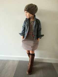 Rustic Kids Winter Outfits Ideas To Try Right Now - When it comes to winter wear for children, you need something that can efficiently keep your kids warm. Children need adequate protection from the col. Girls Winter Outfits, Little Girl Outfits, Little Girl Fashion, Cute Little Girls, Toddler Fashion, Kids Fashion, Fall Toddler Outfits, Mode Outfits, Fashion Outfits