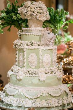 Bolo de casamento clássico { bolo: Isabella Suplicy | foto: Anna Quast e Rixky…