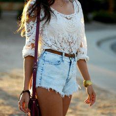 I love  high-wasted shorts and a laced top... soooo cute!