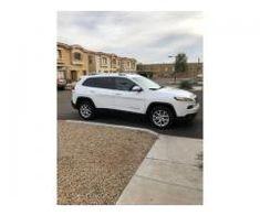 2018 White Jeep Cherokee Latitude Plus White Jeep Cherokee, Sell Used Car, Used Jeep, 2007 Jeep Wrangler, Kelley Blue, Appliance Repair, Suv Cars, Blue Books
