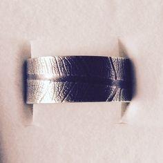 Snubní... pro něj. Stříbrný s patinou. #jewellerybyradkahlavackova #sperky #weddings #botanicaljewellery #handmade #forhim #loveforever