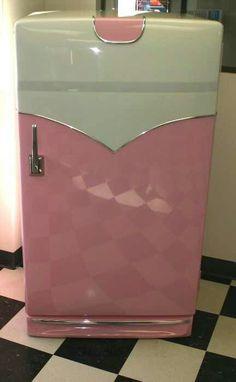 GE 1950s Refrigerator... Vintage Old Fridge. LOVE The Retro Vintage Pink Fridge !!!