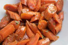 Roasted Maple Glazed and Chai Carrots I Heart Recipes, Pea Recipes, Simple Recipes, Healthy Recipes, Roast Beef Recipes, Crockpot Recipes, Cajun Mac And Cheese Recipe, Homemade Coconut Cake Recipe, Favorite Chili Recipe