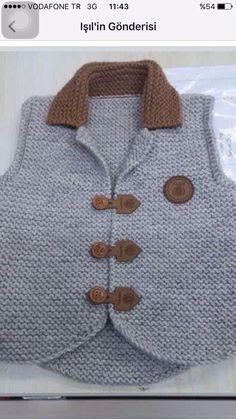 Crochet baby boy vest Ideas for 2019 Baby Knitting Patterns, Baby Boy Knitting, Knitting For Kids, Knitting Designs, Cardigan Bebe, Baby Cardigan, Baby Boy Vest, Baby Boys, Crochet Baby