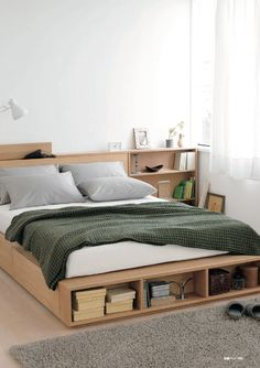 Bed with storage and CAT PROOF