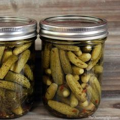 The Best Dill Pickles - The Best Dill Pickles! An easy recipe for refrigerater pickles or canning whole, minis, spears, or - Mini Pickles, Canning Pickles, Mini Cucumbers, Canning Recipes, Canning Tips, Dill Recipes, Pudding Recipes, Detox Recipes, Sweets