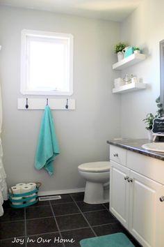 Reclaimed Wood Towel Hanger from www.joyinourhome.com