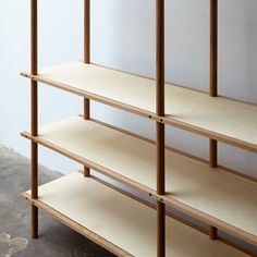 DESIGN TO CONNECT - your inspiration source for joining methods and connections Plywood Shelves, Bookshelves, Bookcase, Modular Shelving, Storage Shelves, Cool Furniture, Furniture Design, Furniture Inspiration, Wood Design
