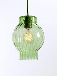 Een stoere hanglamp van Serax, in een leuke vorm, voor ieder robuust, industrieel of strak interieur.