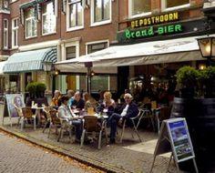 Bodega De Posthoorn: geliefd onder Haagse kunstenaars, maar stiekem gewoon een ouderwets bruin café.