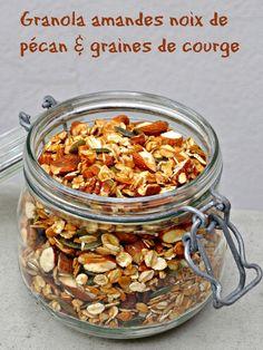 Granola sans raisins secs ni fruits s?ch?s ou muesli floconneux aux noix de p?can amandes et graines de courge